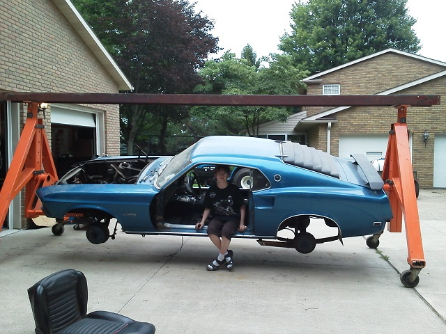 sitting 29 yrs... time to start on the 69 mustang-01.jpg