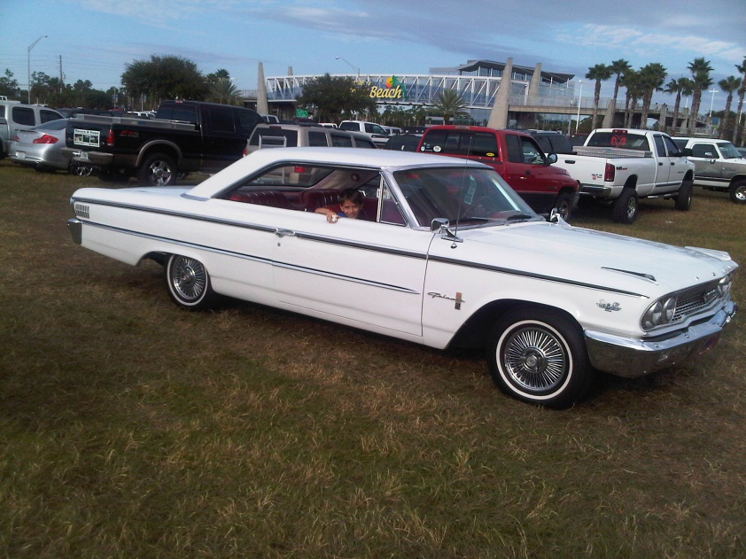 Dad's new 63.5 500XL 390 4SP-63.5-galaxie.jpg