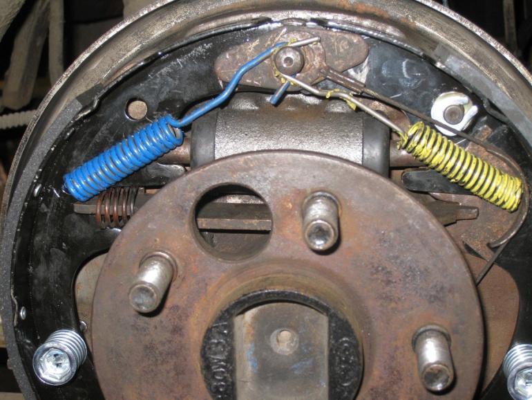 D Wheel Cylinder Problem Mustang Drums