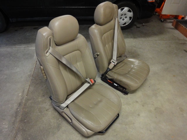 Sebring Leather Seats With Built In Seat Belts 150 Ford