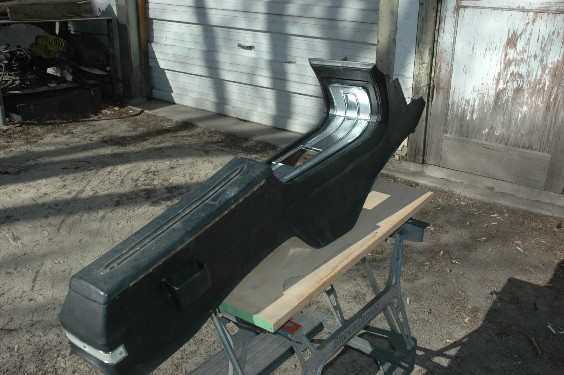 D Torino Gt Center Console Dsc likewise Ford Torino Talladega First Production Interior With Black Vinyl Bench Seat as well Ford Torino Gt E in addition Amm moreover P Vent. on 1969 ford torino gt