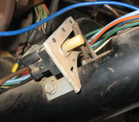 Honda Xl 250 Wiring Diagram in addition Schematic For 1995 Ford 150 Transmission Lines moreover 95 Ford Ranger Engine Diagram moreover Gm 3 1 Engine Fuel Injector together with E4od Transmission Wiring Harness. on ford e4od transmission wiring diagram