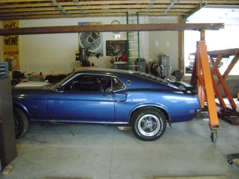 sitting 29 yrs... time to start on the 69 mustang-waiting.jpg